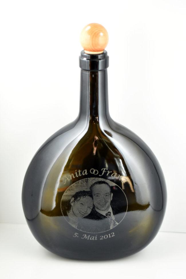 Gravierte Schnapsflasche zur Hochzeit von Anita und Franz